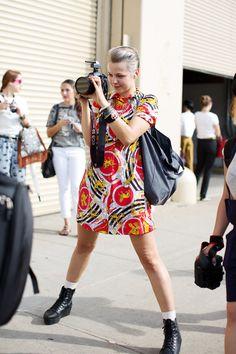 On the Street……Lina, New York « The Sartorialist - fashion world and fashion show New Fashion, Fashion Show, Girl Fashion, Womens Fashion, Girls With Cameras, Sartorialist, Haute Hippie, Female Photographers, Girl Photos