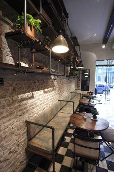 08/04/2014 - Lo studio argentino Hitzig Militello Arquitectossi ispira ai club privati degli anni del proibizionismo - meglio noti come speakeas
