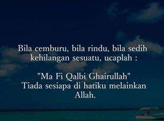 Doa bila kesusahan // Ma Fi Qalbu Ghairullah Pray Quotes, Allah Quotes, Muslim Quotes, Best Quotes, Life Quotes, Reminder Quotes, Self Reminder, Wattpad Quotes, Doa Islam