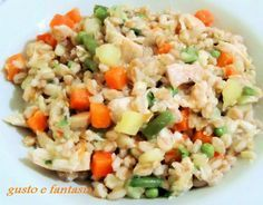 farro con pollo e verdure Low Carb Lunch, Low Carb Breakfast, Carb Day, Low Carb Bread, Orzo, Antipasto, Italian Recipes, Food And Drink, Healthy Recipes