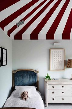 Kid's Bedroom - West London Basement Extension http://www.houseandgarden.co.uk/interiors/real-homes/edwardian-house-with-bright-modern-interiors/kids-bedroom?next