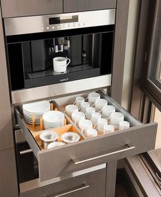 Best and stylish brilliant kitchen organization and storage ideas 17 – fugar Kitchen Room Design, Kitchen Cabinet Design, Modern Kitchen Design, Home Decor Kitchen, Interior Design Kitchen, Kitchen Furniture, New Kitchen, Home Kitchens, Miele Kitchen
