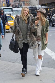 these sisters seriously have the best style.