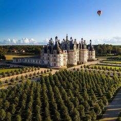 Château de Chambord Hello France, Destinations, Loire Valley, Special Pictures, Tours, Beautiful Architecture, Belle Photo, Interior And Exterior, Facade