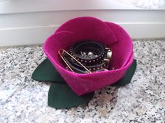 how to make a felt jewelry case without sewing diy - tutorial come fare uno svuotatasche o portagioie in feltro fai da te