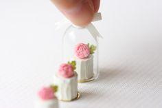 1/12 Scale Dollhouse Miniature Food - Vanilla Rose Buttercream Mini Cakes