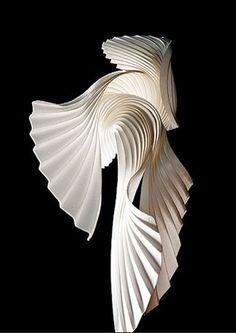 Papier ondulé Abstract Sculpture, Sculpture Art, Root Structure, Zaha Hadid Architecture, Rimowa, Shell Art, Aesop, Tecno, Paper Models