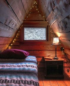 Below is a collection of tiny house design ideas from the wider community. This idea book focuses on Lofts. Bookmark this page, we'll continue adding new ideas. Cabin Interiors, Rustic Interiors, Woodland House, Tadelakt, A Frame Cabin, Little Cabin, Tiny House Living, Cozy Cabin, Diy Home Decor Projects