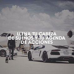 Llena tu cabeza de sueños y tu agenda de acciones. #flowloud, #flowloud.com, #louders, #frases