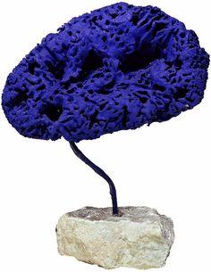 Yves Klein Sculpture éponge bleue 1959