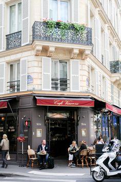 Cafe Varenne Paris // Photography: www.stylebyfabie.com