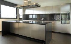 Keukeneiland met lange zitruimte