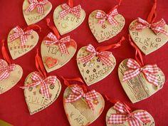 Valentine Heart, Valentine Crafts, Room Mom, Mothers Day Crafts, Make A Gift, Clay Art, Interior Design Living Room, Diy Bedroom Decor, Art For Kids