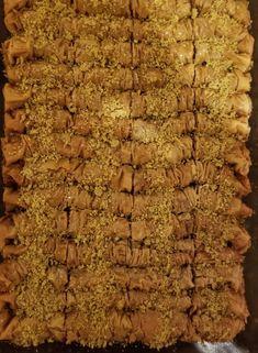 Cinnamon Baklava Rolls | Cleobuttera Baklava Dessert, Baklava Recipe, Greek Recipes, Cinnamon, Dessert Recipes, Rolls, Shelf Life, Chocolates, Yum Yum