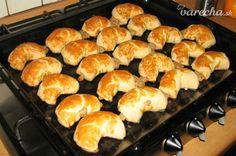 Bratislavské rožky, slávne prešporské bajgle alebo záviny (fotorecept) Griddle Pan, Cooker, Food And Drink, Bread, Sweet, Nova, Pizza, Christmas, Basket