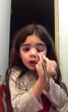 Is this 5-year-old too young to be a beauty vlogger? Some viewers think so.