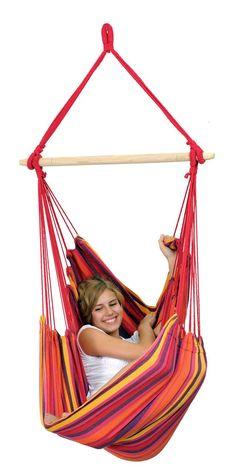 Hangstoel 'Relax' vulcano is optimaal om in te hangen. De luchtige, 1,8 kg wegende hangstoel kan in no time worden opgehangen. Je kunt je compleet ontspannen, terwijl je overal bovenuit zweeft!  Deze hangstoel is gemaakt van EllTex (ExtraLongLastingTEXtile). Een EllTex hangstoel kan buiten blijven hangen, zelfs als het regent of als de zon zeer fel brandt. EllTex is een bijzondere mix van polyester en katoen dat zeer weersbestendig is, nauwelijks vervaagt en extreem sterk blijft! De h...