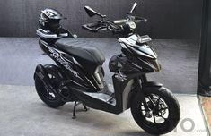 Scooter Motorcycle, Motorcycle Helmet Design, Motorcycle Style, Motorcycle Garage, Motorcycle Outfit, Touring Motorcycles, Touring Bike, Honda Motorcycles, Honda Scooters