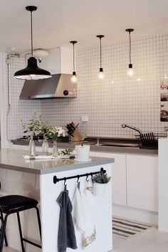 Decorating Kitchen Walls Ideas is completely important for your home. Whether you pick the Kitchen Shelf Decor Ideas or Kitchen Decor Ideas Decoration, you will make the best Kitchen Soffit Decorating Ideas for your own life. Cafe Interior, Apartment Interior, Kitchen Interior, Room Interior, Interior Design Living Room, Interior Styling, Interior Decorating, Decorating Ideas, Decor Ideas