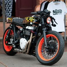 """Triumph Thruxton Cafe Racer """"Flash"""" by Meanmachines #motorcycles #caferacer #motos 