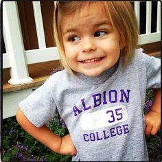 @leemadziar: My goddaughter representing my school. Had to repost this @emilymaybartkowiak she is just too cute.