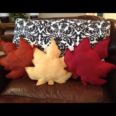 $2 placemats from BigLots ... Turned fall pillows