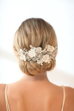 Trendy Wedding Day Hair Accessories For Every Bride's Style -Beau-coup Blog