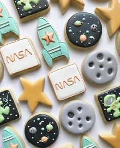 First Birthday Parties, Birthday Party Themes, First Birthdays, Birthday Ideas, Office Birthday, Birthday Recipes, Themed Parties, Space Baby Shower, Moon Party