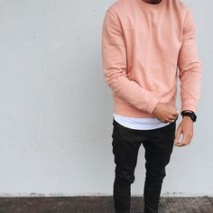 S t r e e t w e a r sweater outfits, pink sweater men, sweatshirt outfit, jumper outfit, daily fashion Jumper Outfit, Sweatshirt Outfit, Sweater Outfits, Urban Fashion, Daily Fashion, Mens Fashion, Fashion Moda, Pink Sweater Men, Men Street