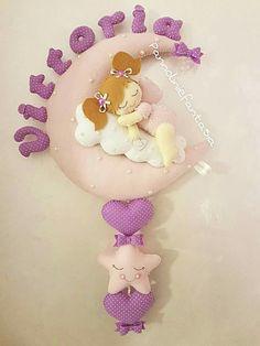 Felt Crafts, Diy And Crafts, Baby Shawer, Felt Dolls, Felt Ornaments, Arya, Baby Sewing, Baby Patterns, Cute Designs