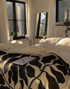 Room Ideas Bedroom, Bedroom Decor, Room Ideias, Dream Apartment, Aesthetic Room Decor, Dream Rooms, My New Room, House Rooms, Future House