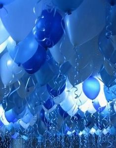Cuz I love the color blue! And balloons are even awesomer