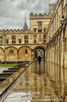 Walking In The Rain, Oxford, England ~ we visited Richard's rellies at Oxford, too.  I wonder what he's up to nowadays.