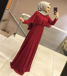 Image may contain: 1 person, standing - Style Evening Dresses Hijab Gown, Hijab Evening Dress, Hijab Dress Party, Hijab Style Dress, Hijab Outfit, Modest Fashion Hijab, Abaya Fashion, Dress Outfits, Evening Dresses