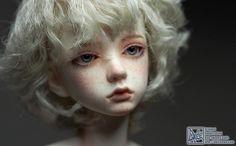 Amy head055