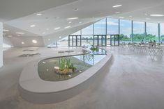 Het Biesbosch Museum is vernieuwd en ziet er nu uit als een groen piramide landschap - Roomed