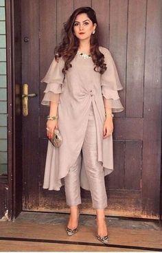 Party Wear Indian Dresses, Designer Party Wear Dresses, Pakistani Dresses Casual, Kurti Designs Party Wear, Dress Indian Style, Indian Fashion Dresses, Pakistani Dress Design, Indian Designer Outfits, Fashion Outfits