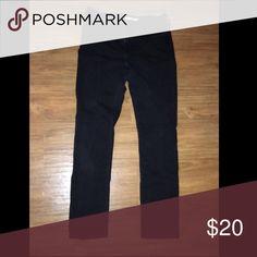 Black skinny jeans Slightly worn but in wonderful shape! Pants Skinny