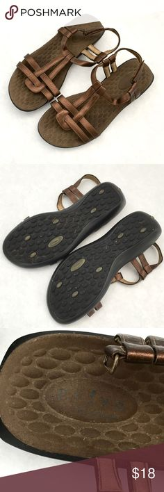 eb5d227d101d9 Comfortable sandals Comfortable sandals. Cooper color. Used in good  condition Shoes Sandals Clarks Sandals