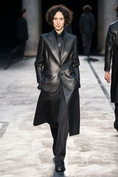 Neil Barrett Fall 2017 Ready-to-Wear Collection Photos - Vogue