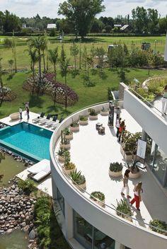 Vaccarezza, Tenesini & Angelone Arquitectos. Más info y fotos en www.PortaldeArquitectos.com