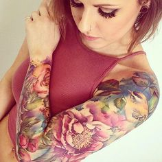 There is nothing sexier than women with sleeve tattoos. Here are 43 of the most breathtaking sleeve tattoos for women on the internet. Enjoy! #tattooswomenssleeve