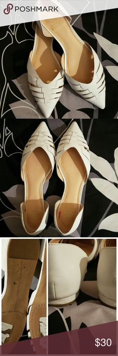 Vince Camuto White Flat Excellent used condition white Vince Camuto d'orsay flat. These are true white. Worn once. 8.5 M, but  were too big for me. Small scuff at tip, but should come off with a cloth. These flats would look awesome with a flare leg pant! Vince Camuto Shoes Flats & Loafers