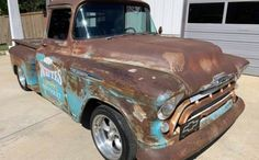 Perfect Patina! 1957 Chevrolet Pickup – Barn Finds Gm Trucks, Cool Trucks, Cool License Plates, Weather Models, Shop Truck, Engine Start, 1957 Chevrolet, Barn Finds
