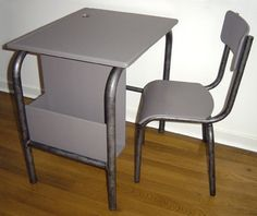 BF045 - School desk and chair