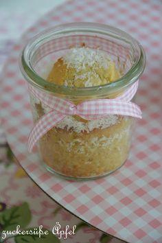 ** zuckersüße Äpfel **: Schoko-Kokos-Kuchen im Glas