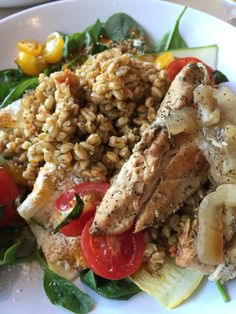 Copycat Zoes Kitchen Salad Farro Spinach And Zicchini