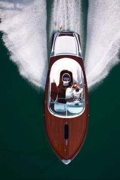Award Winning Pontoon Boats by Harris. Harris Boats has been building pontoon boats for over 60 years. Luxury pontoon boats made for entertaining. Wooden Speed Boats, Wooden Boats, Jet Ski, Riva Boot, Cool Boats, Yacht Boat, Boat Building, Water Crafts, Volvo