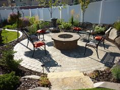 6 Gifted Hacks: Fire Pit Seating Terraces small fire pit on deck.Fire Pit Seating Landscaping fire pit furniture how to make. Garden Fire Pit, Diy Fire Pit, Fire Pit Backyard, Backyard Seating, Sloped Backyard, Sloped Yard, Backyard Patio, Outdoor Stone, Outdoor Fire