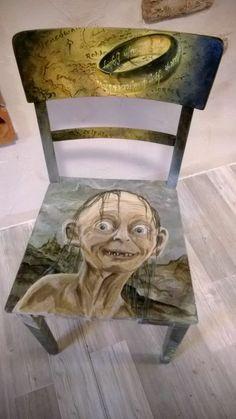 Unikat ! Handbemalter alter Stuhl mit Gollum od. Smeagol sowie den Schatz HdR
